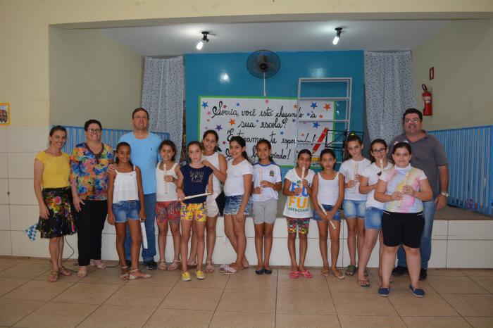 Grupo Flautas Angelicais promove sarau na EMEB Izaltina Vicente Alves.