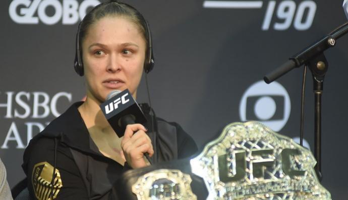 Ronda revela o que disse para Bethe Correia após a luta: