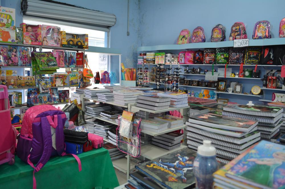 RC presentes e papelaria amplia o setor de material escolar para volta as aulas 2016