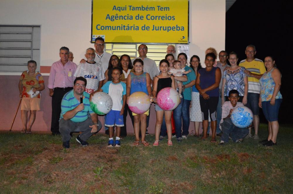 Inauguração em Jurupeba:  agência de correios comunitária
