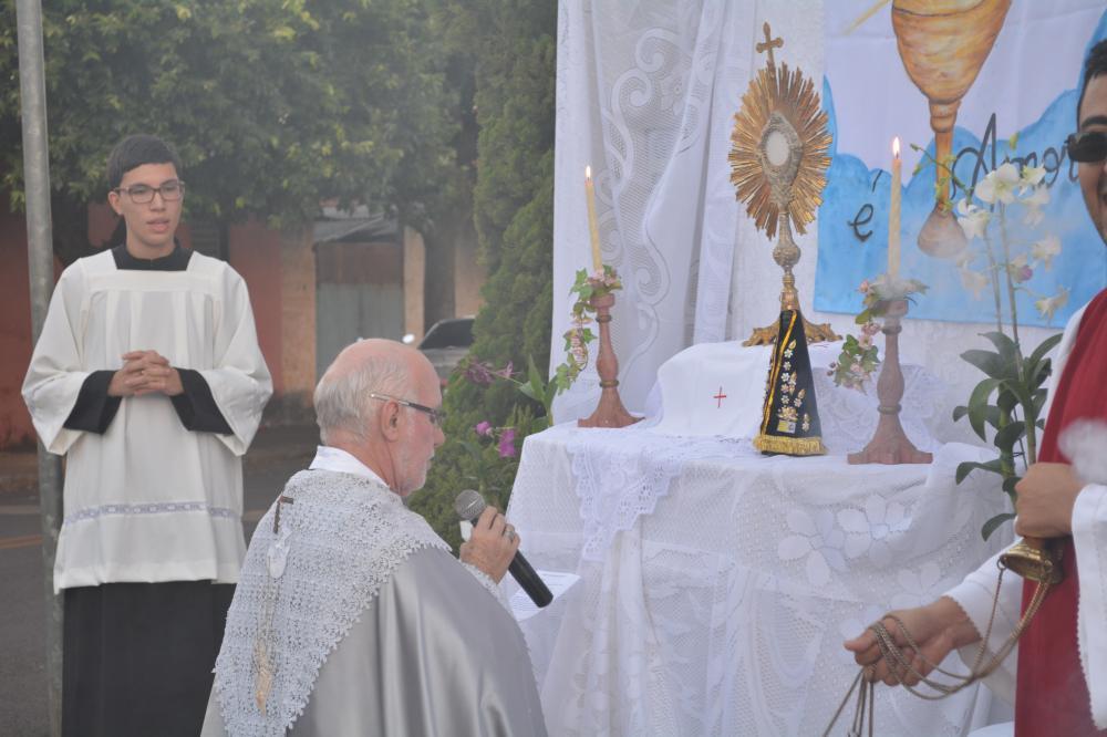 Celebração de Corpus Christi em Palestina