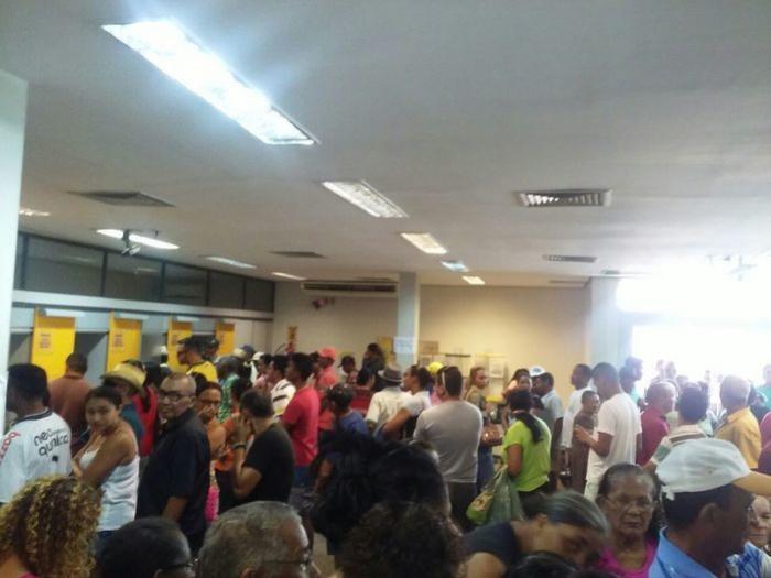 Após greve, agências bancárias reabrem em União
