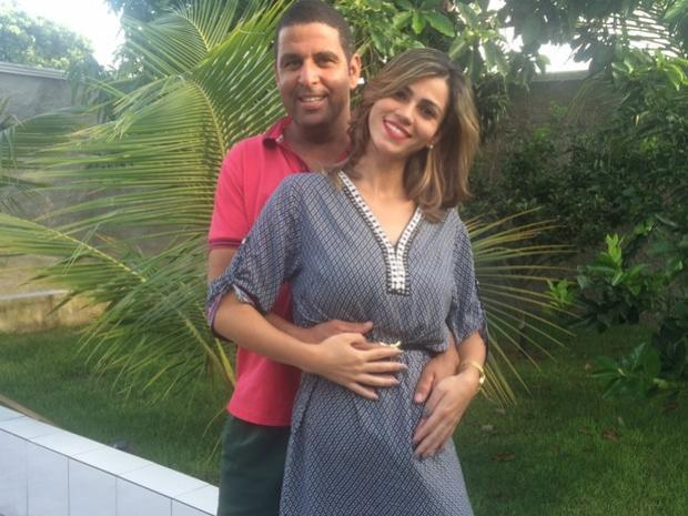 Após perder gêmeos, casal celebra gravidez de quíntuplos: 'Milagre'