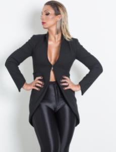 Valesca: Feminista e 'bem vestia'