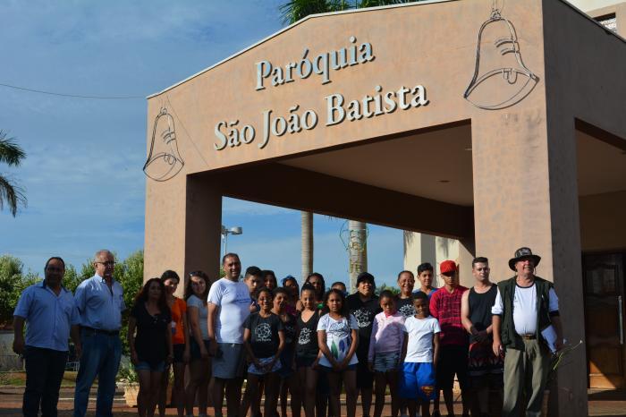 Prefeitura de Palestina e Ativarg recepcionam grupo turístico em nossa cidade